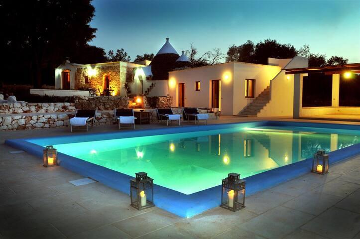 4 bedroom Trullo in Puglia with private pool. - Carovigno - Villa