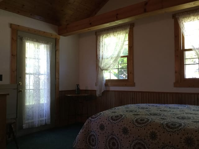 Nice room,nice bed nice price - De Pere - Casa