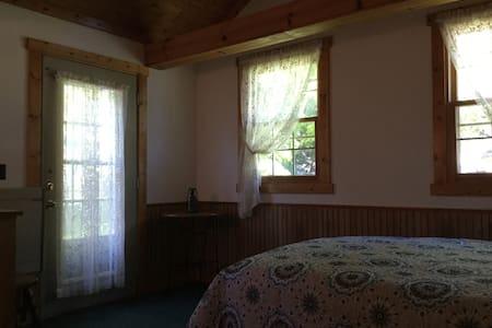 Nice room,nice bed nice price - De Pere - Casa
