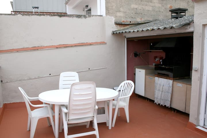 House with 3 bedrooms in Blanes, with wonderful city view, furnished terrace and WiFi - 500 m from the beach