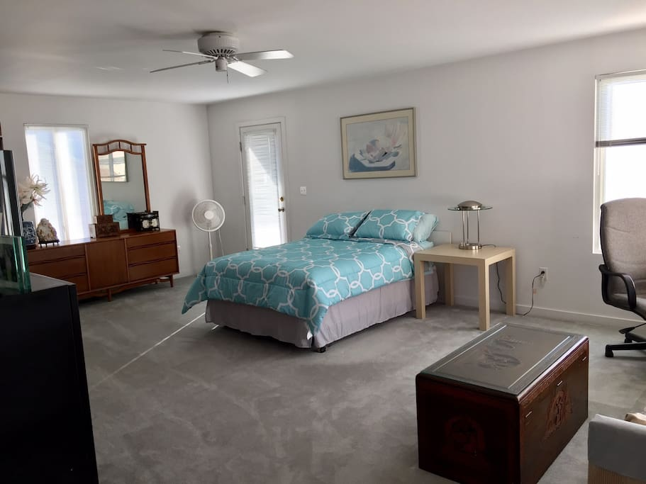 Large Studio By The Beach W Private Entrance Flats For Rent In Milford Connecticut United States