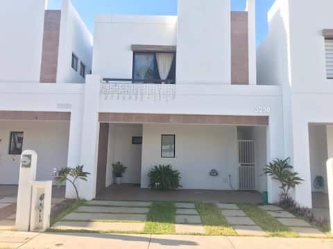 Home with pool and close to the beach at Mazatlan