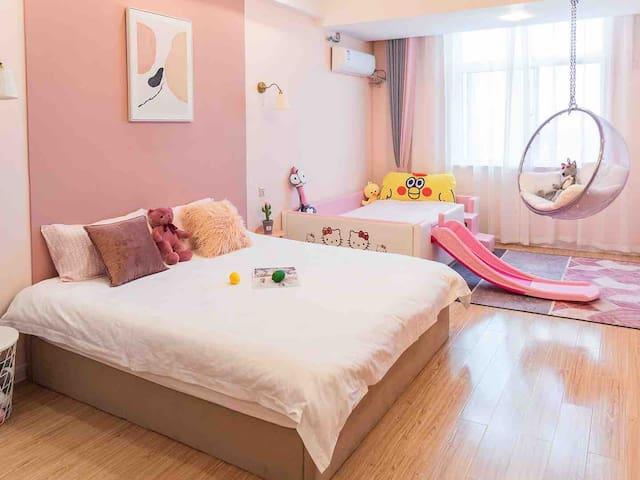 【雁栖沙洲】市中心 粉色kitty亲子房/特色美食街/高庙景区旁