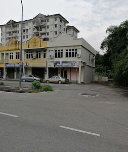 Accommodation in the quiet town of Balik Pulau