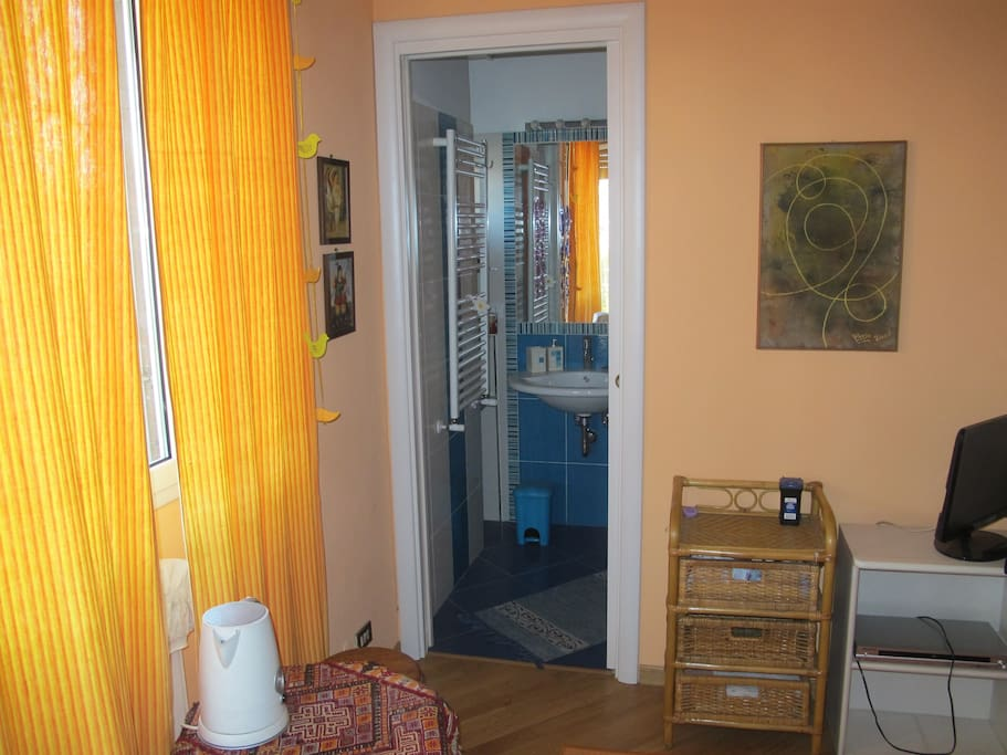camera / ingresso bagno