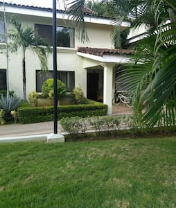 Playa Del Coco, townhouse,3 bedroom - Playa del coco