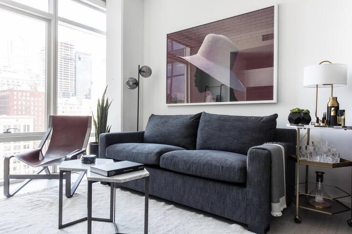 Artsy Studio w/ Views in City Center by Lyric