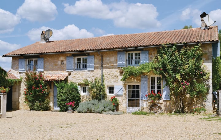 Stunning home in La Chapelle Faucher with WiFi and 4 Bedrooms