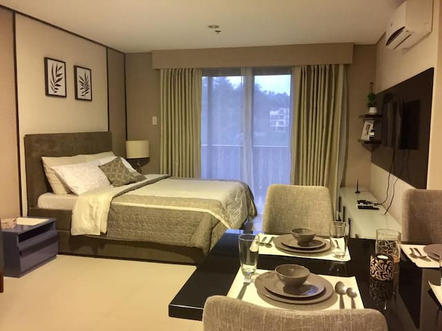 Crosswinds Luxury Resort Tagaytay Studio Suite