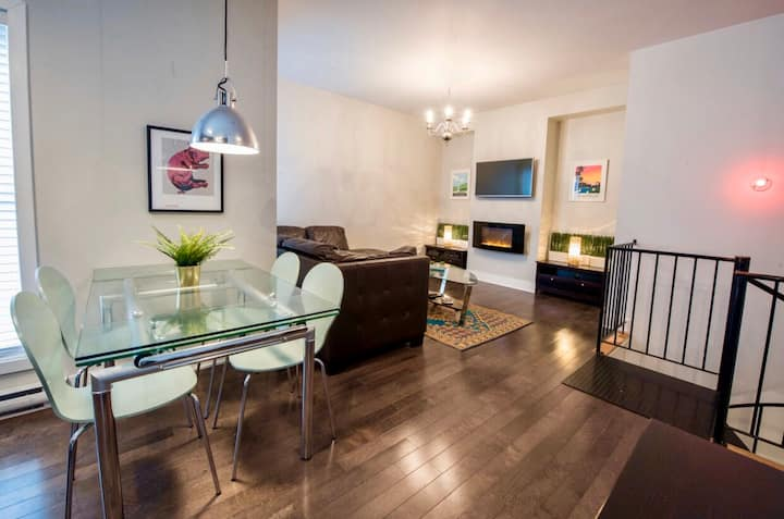 Trendy 2-Storey Condo, Montreal (Foodie District)