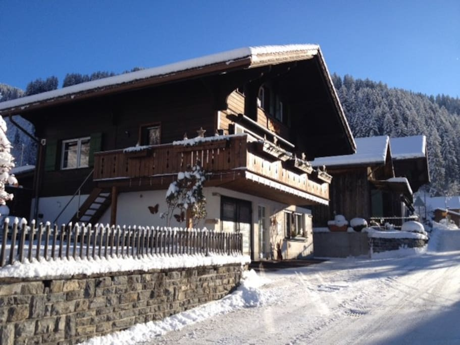 Chalet old post