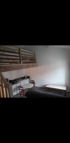 Studio 40 m2 avec mezzanine