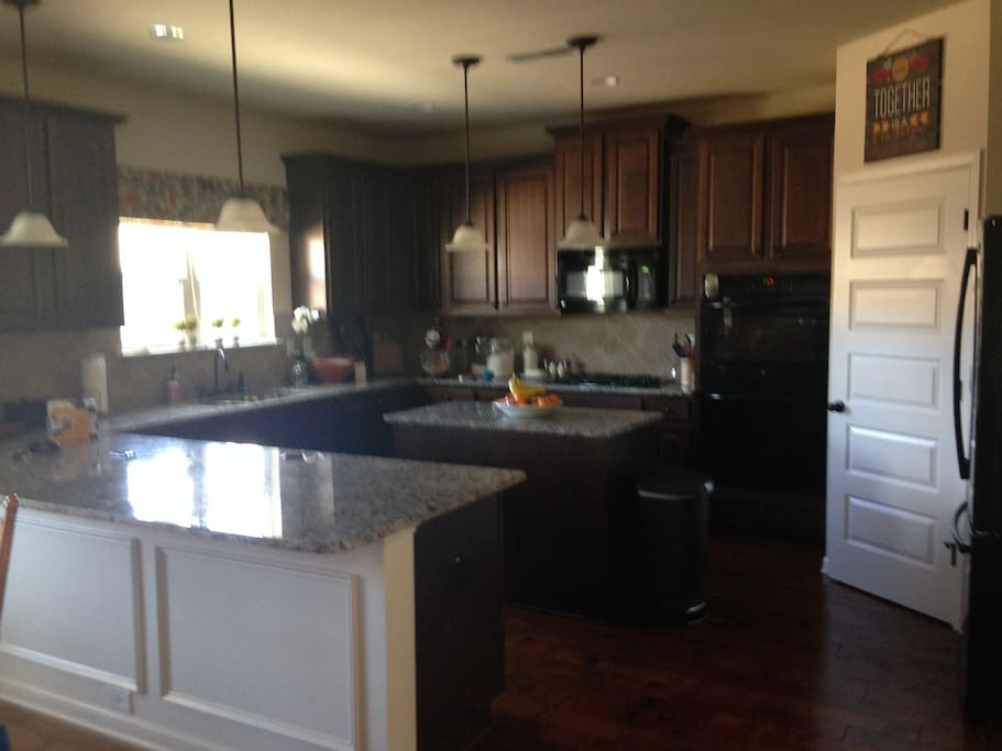Full use of the kitchen with brand new appliances