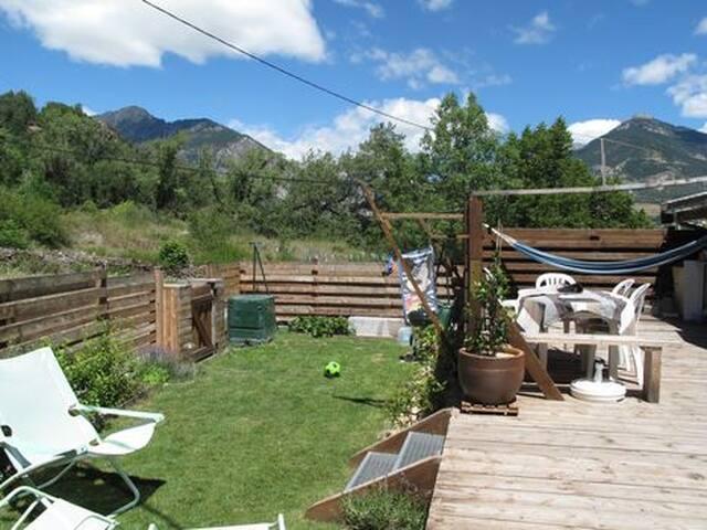 Maison familiale de caractère terrasse et jardin