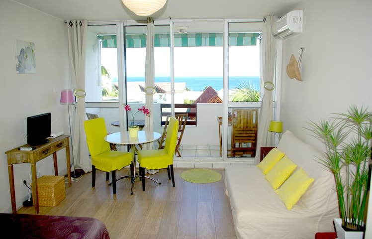 Studio de Charme - sea & beach view - Boucan Canot