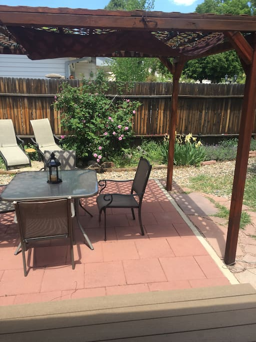 Back patio with sun chairs