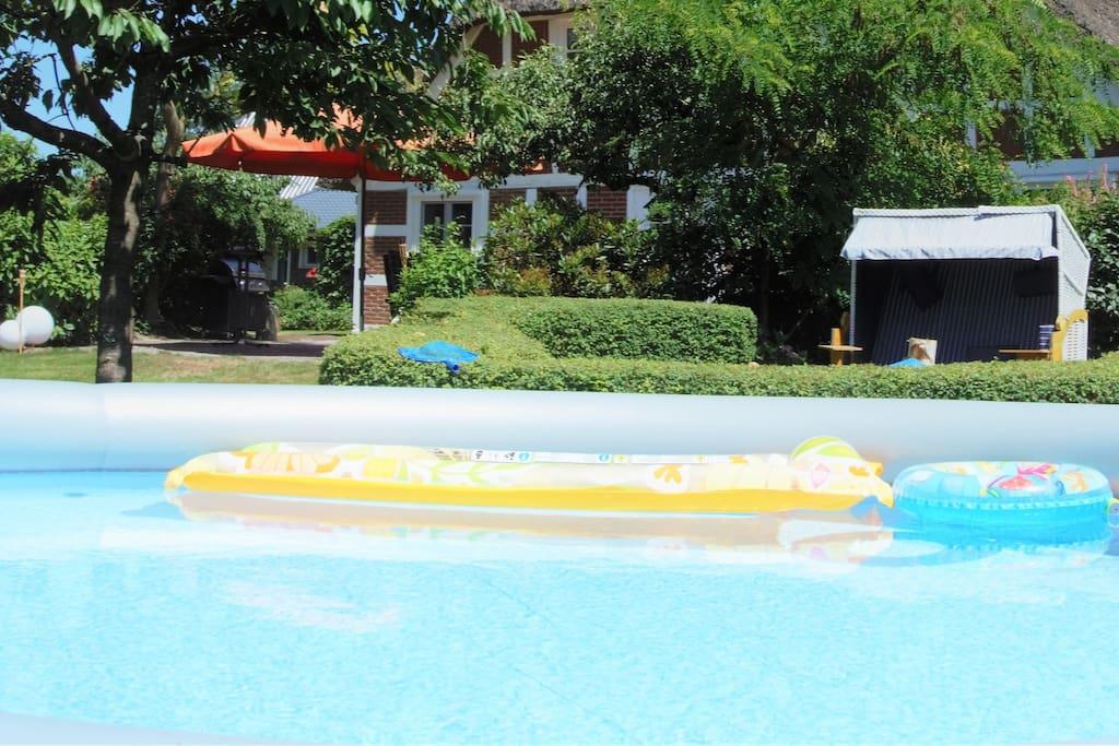 Der Sommer ist daaaaa. Pool im Garten!