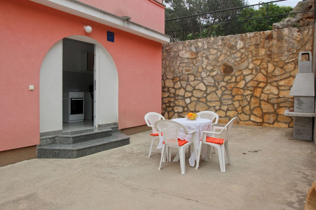 Patio/terrace with sitting area