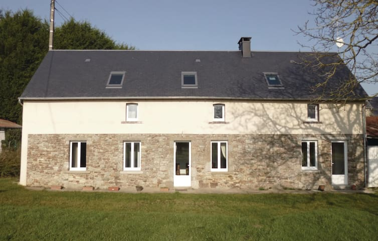 Holiday cottage with 2 bedrooms on 56 m² in Gorges