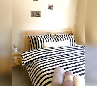 *STUDIO-- *Sunny in *Best Location! - Apartament