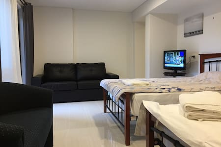 Self Contained Studio with 2 Beds -17C - Booragoon - Wohnung
