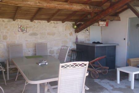 maison pierre entre vignobles et mer - Ordonnac