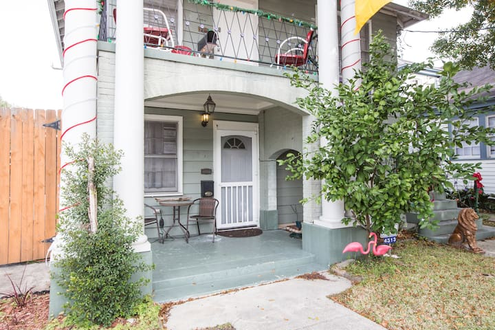 Lovely apartment in Mid-City!