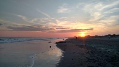 Atlantic Seaside Getaway - Steps to the Ocean!