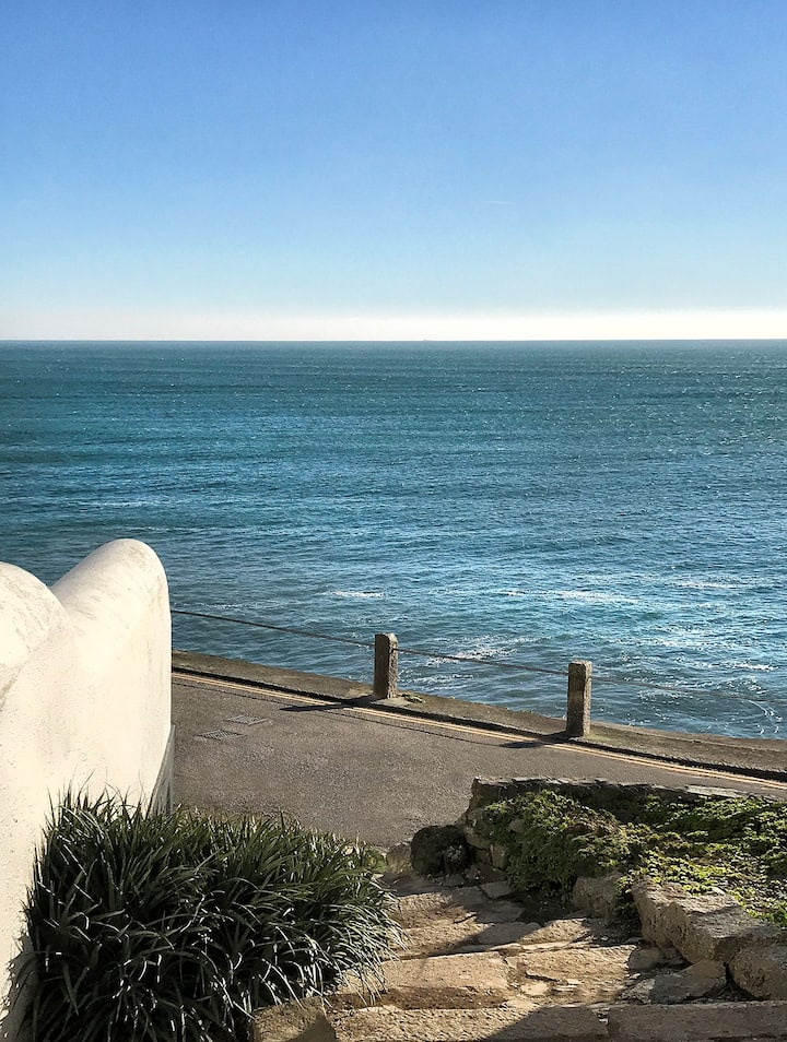 Stunning sea view 2 bed apartment at Porthleven