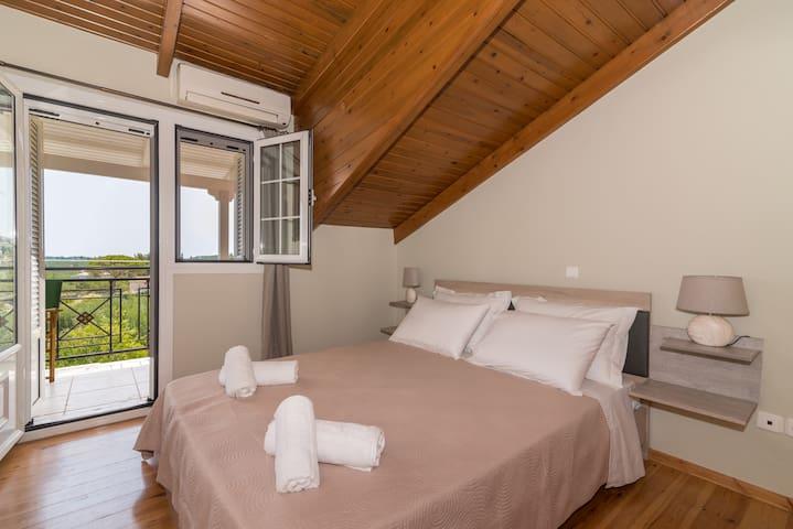Double-bed Bedroom 2