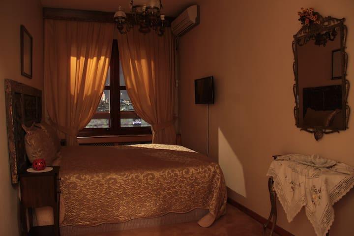 Deniz Manzaralı Çift Kişilik Oda - İstanbul - Ev