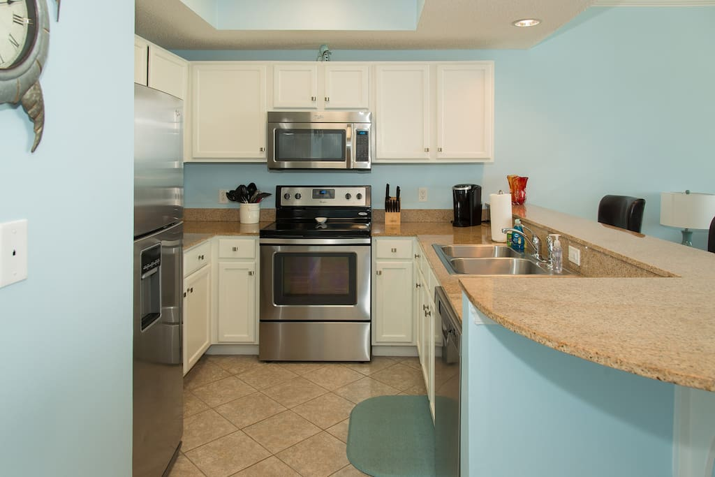 Gorgeous Newly Renovated! 1 Bed 2 Bath Condo Overlooking The Gulf
