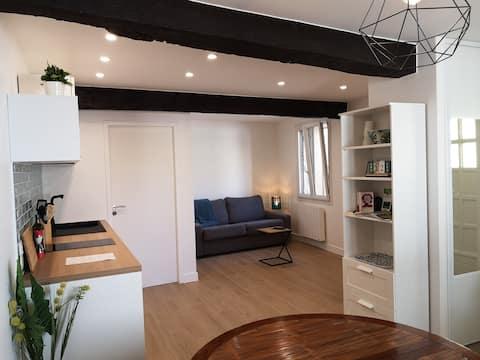 公寓经过精心翻新,设备齐全