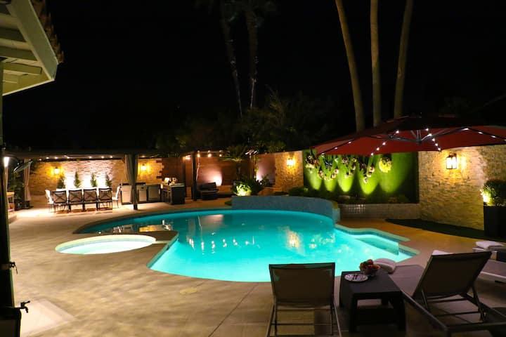 Luxury Modern Home POOL, SPA, FIRE PIT lic. #16537