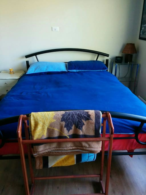 with queen size bed. 5 of 8.