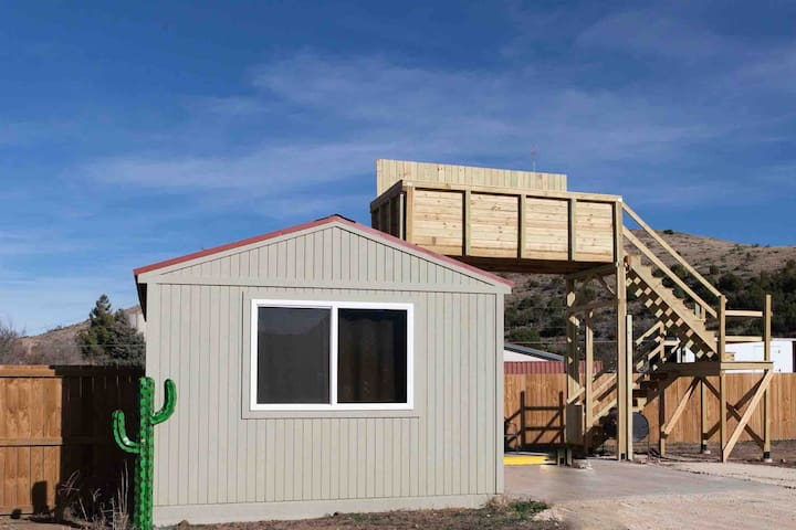 Cactus Cabin with Star Gazing  Deck