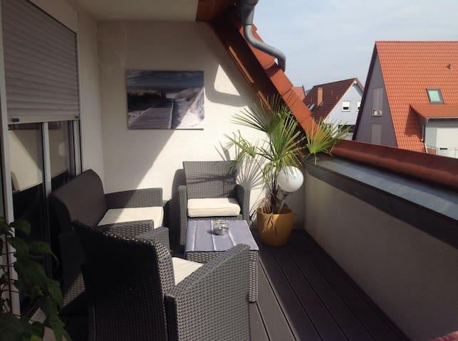 Geräumiges Zimmer in Heddesheim - Heddesheim - Apartment