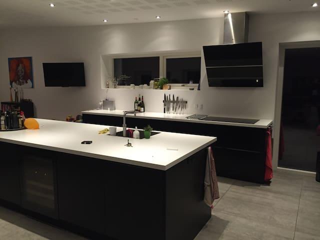 Attractive new villa - Brabrand - Villa