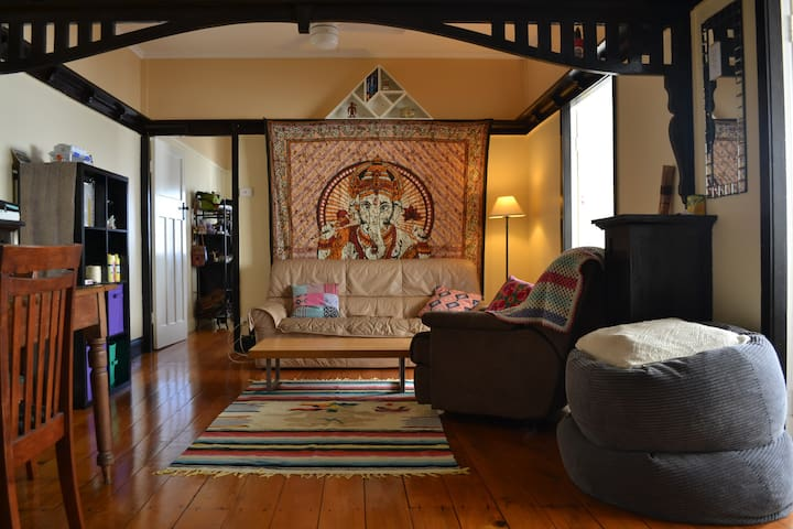 Charmer on Southbanks doorstep - Highgate Hill - Szeregowiec