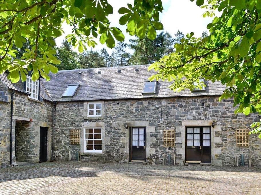 Hearthstanes Steading - Lategillan Rig Cottage