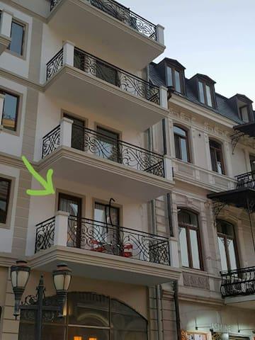 Старый Батуми квартира  у пиаццы - Batumi - Apartment