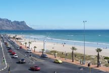 Strand beach road