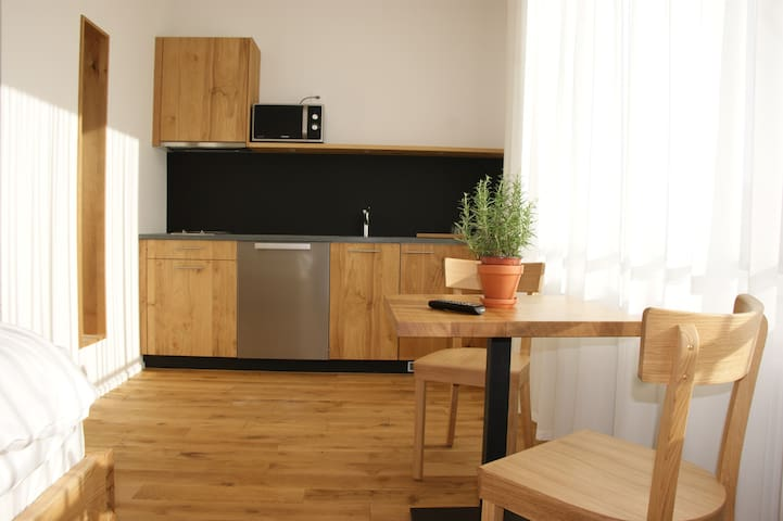 LOCAL Apartment