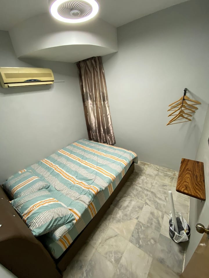 Personal Room. 1 Beds. EE Summer Guest House