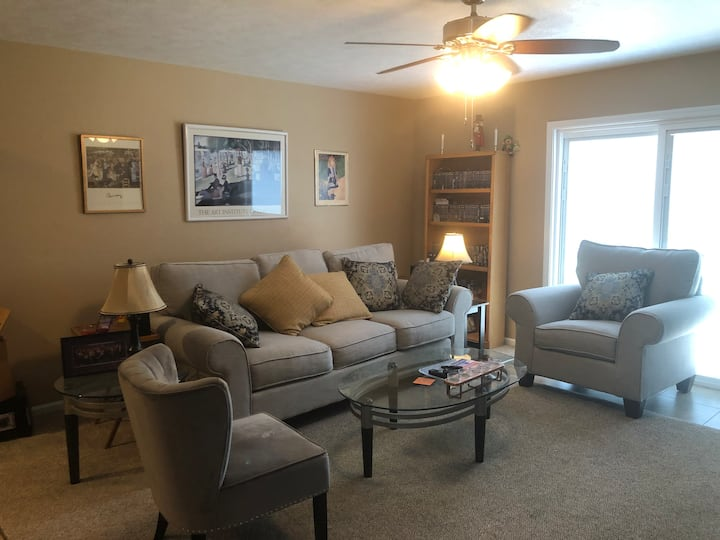 Carterville Furnished Apartment Close to Nature!