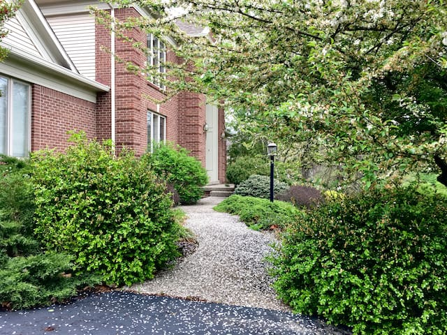 Guesthouse Oasis in scenic Floyds Knobs - Floyds Knobs - Gjeste suite