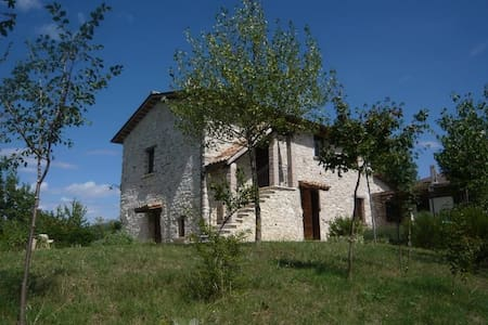 Old stone house in the Alta Sabina, Rieti, Latium - Colli Sul Velino - 独立屋