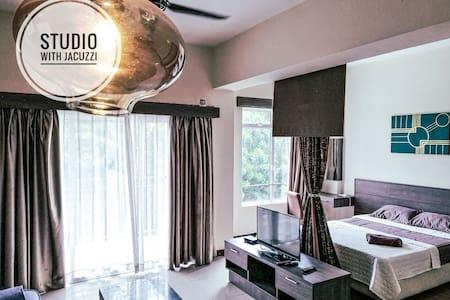Bayou Lagoon Malacca Junika Studio Jacuzzi SJ1 ❤