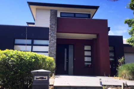 Best in Wyndham/21km from Melb CBD - Point Cook - House