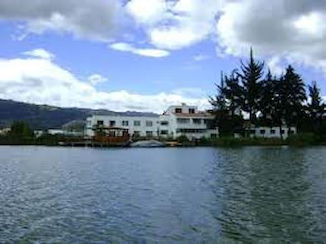 hotel  económico en paipa con ingreso  piscinas. - Paipa - Hotel boutique